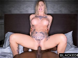 BLACKEDRAW Real Texas girlfriend cheats with dark-hued stud at the hotel after soiree