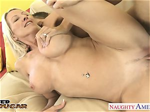 chesty cougar Emma Starr screwing