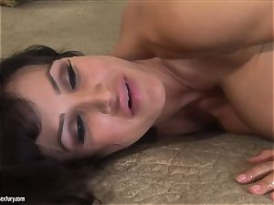 2 super-naughty busty mummy with bootylicious bods Lisa Ann and Jayden Jaymes have g/g intercourse with a strap-on