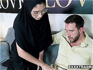 Hijab honey takes it in the butt to save her innocence