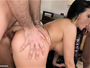 Aletta Ocean cum on face after a succulent three-way