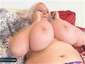 EUROPE MATURE 2 blondes are jerking