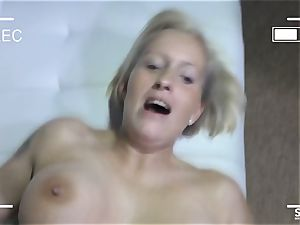 SEXTAPE GERMANY - Mature German new-cummer romps on webcam