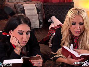 lesbos Jessica Jaymes and Nikki Benz forbidden enjoy