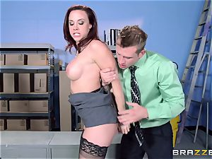 Chanel Preston screws her mind-blowing dude at work
