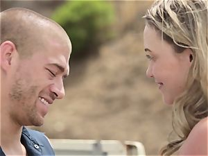 Mia Malkova gets wedged in her wet vulva outdoors