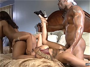3 way sex with ebony hoes who got all the forms
