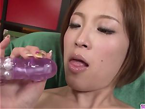 Ena Ouka finishes nasty trunk inhaling have fun with facial