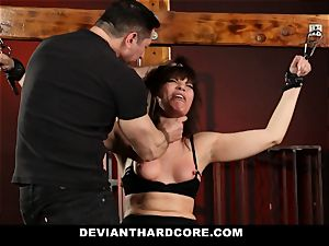 DeviantHardcore-Hot cougar fondled and manacled To Cross