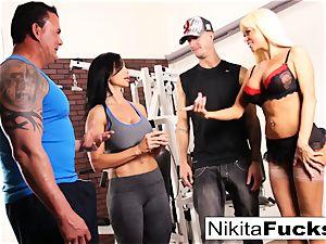 Nikita Von James joins a workout hook-up