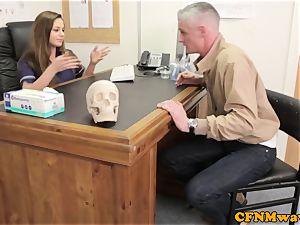 female dom Cayenne Klien makes patient jizz