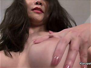 Emmeline Johnson vulva unwrapping