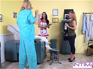 IntimateLesbians - Jessica, Puma and Nicole humping