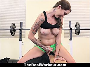 hardcore exercise with trainer dame Callie
