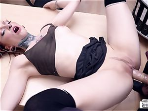 bums BUERO - super-steamy alt German babe smashes at the office
