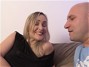 LA newcomer - super-steamy French amateur cougar torn up hard-core