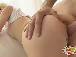 rough intercourse hump for Lexi Jackson