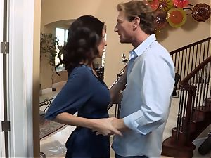 Bad wife Dava Foxx cheats on her spouse