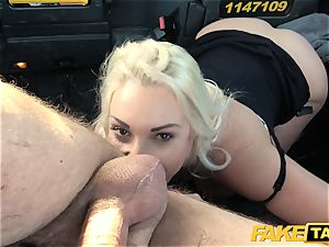faux taxi light-haired mummy Victoria Summers boinked in a cab