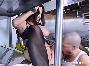 Kitchen inspector Ava Addams takes a chefs meatpipe deep
