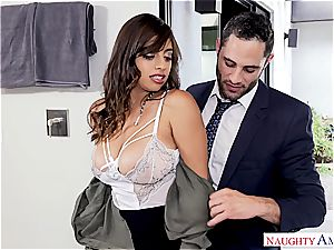 Latina office tramp takes a load on her phat bumpers