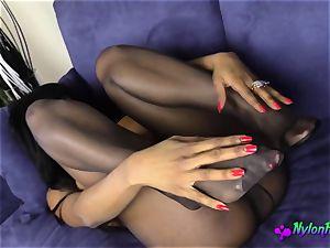 ebony honey enjoys to play With Her fuckbox a bunch