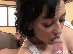 mummy gets a pussyful of knob
