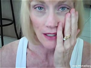sonny persuades mommy To creampie