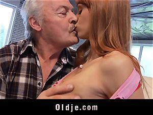 Oldman Gustavo glad to penetrate stellar Erica Fontes